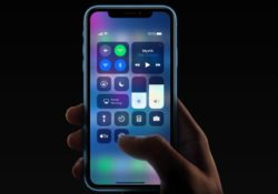 iPhone XR is with thick black matrix.